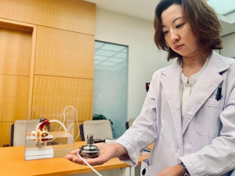 中国独自開発の人工心臓、2人の末期心不全患者を救う