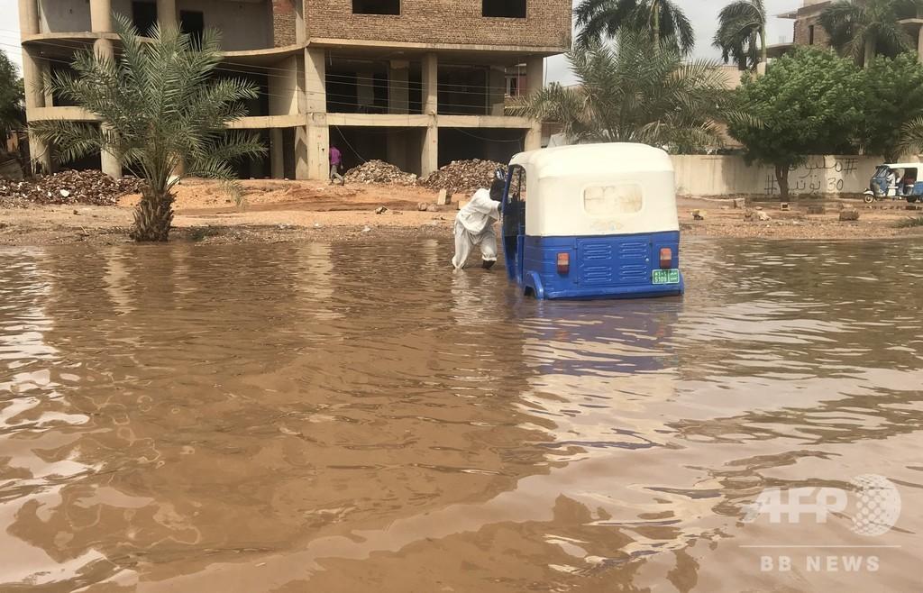 スーダンで豪雨災害、62人死亡 全国で約20万人に影響