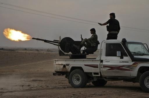 シリア政府軍、対トルコ国境の要衝マンビジに進軍