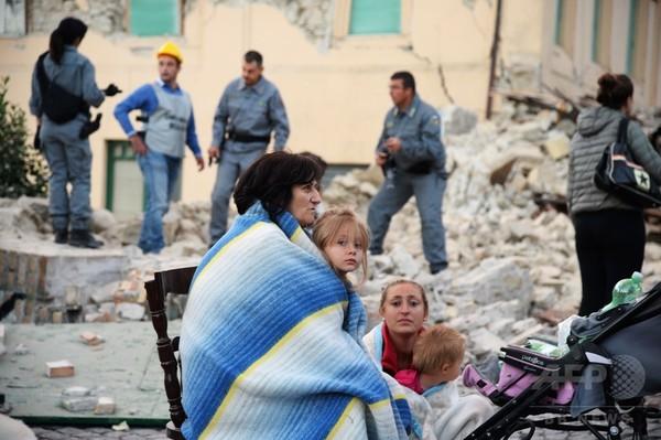 イタリア中部地震、死者18人に
