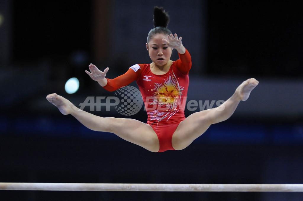 鶴見が段違い平行棒で2位 中国個人種目で金3つ、世界体操