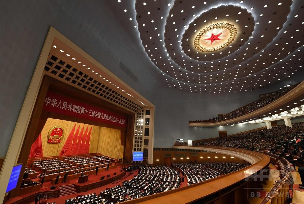中国全人代が開幕、習氏の権力基盤強化へ