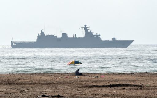 モロッコ海軍、地中海を横断中の移民242人を救助