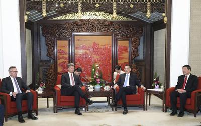 李克強総理、BMW会長と会見 高水準の対外開放推進