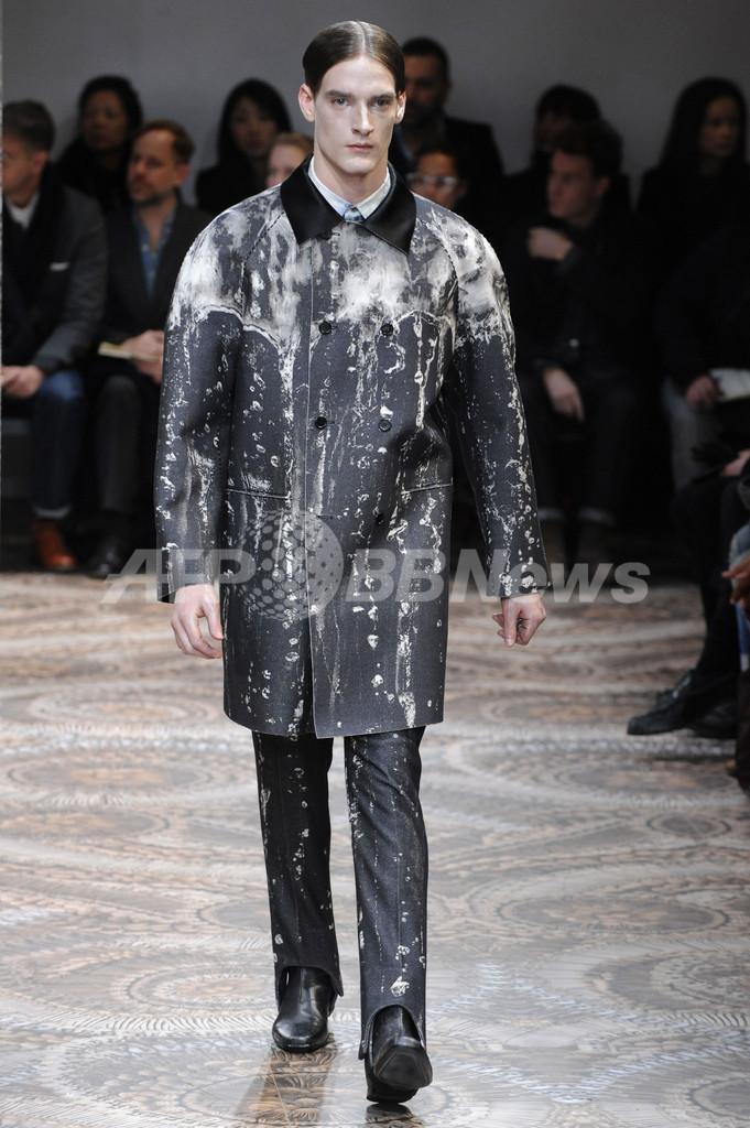 <10/11年秋冬ミラノ・メンズコレクション>アレキサンダー・マックィーン、新作を発表