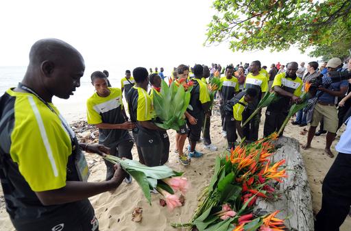 ザンビア代表、19年前の飛行機事故の犠牲者を追悼