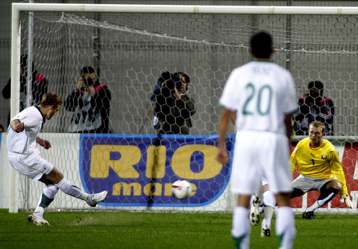 <サッカー 欧州選手権2008・予選>スロベニア ベラルーシを降す