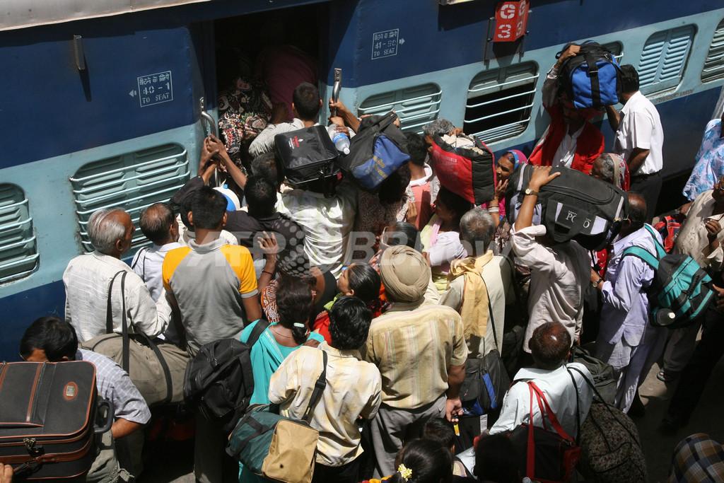 2歳少女が列車から投げられ死亡、座席争いの末 インド