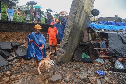 モンスーンによる豪雨で擁壁崩落、18人死亡 印ムンバイ