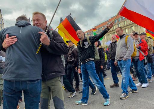 ドイツ州政府、シリア送還の規定緩和を計画 犯罪者の送還可能へ