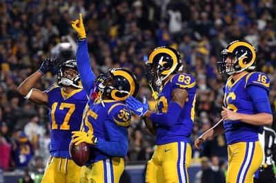 ラムズとチーフスがカンファレンス決勝に進出、NFLプレーオフ