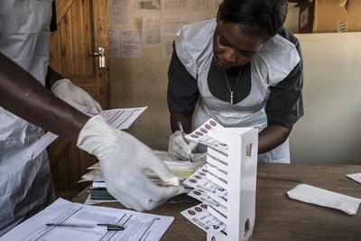 報酬得て少女100人超と性交、HIV陽性の男逮捕 マラウイ