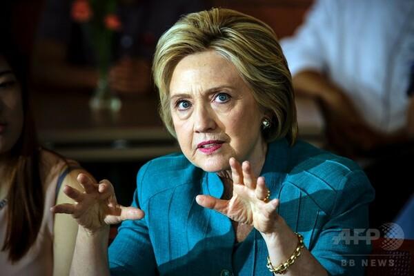 「トランプ氏、アカウント削除を」=クリントン氏がツイッター投稿-米大統領選