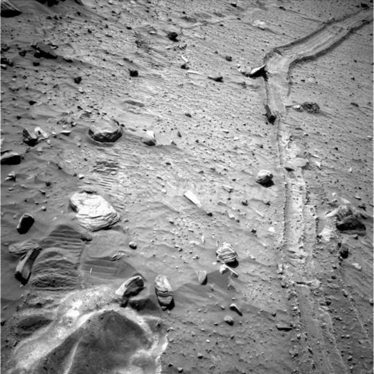立ち往生した火星探査車スピリット、NASAが脱出を断念