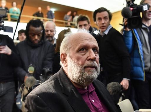 少年虐待で起訴された元司祭、裁判で自身の性的虐待被害を告白 フランス