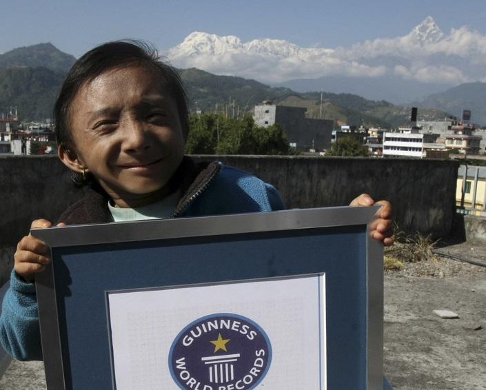元「世界一背が低い」ネパール人男性、27歳で死去 身長67センチ