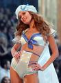 ヴィクトリアズ・シークレット、2007年ランジェリー・ファッションショー開催