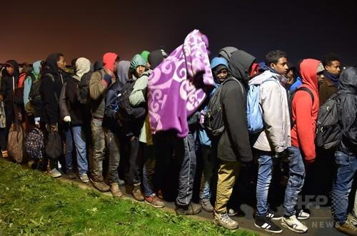 仏カレーの移民キャンプ「ジャングル」閉鎖へ、立ち退き開始