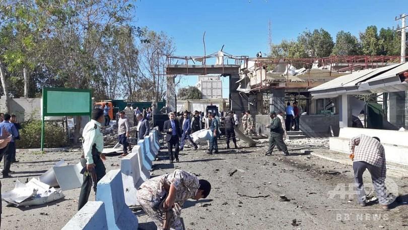 イラン南東部で自爆攻撃 2人死亡、重傷の一般市民も