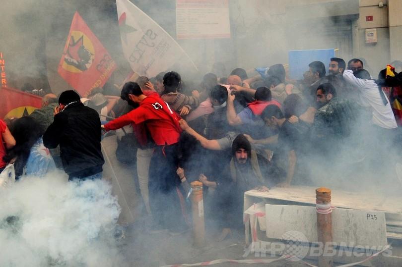 トルコ炭鉱爆発、死者274人に 警察はデモ隊に催涙ガス