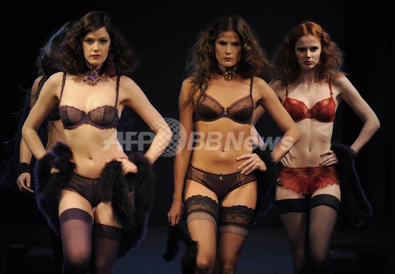 NYでランジェリーファッションショー 写真33枚 国際ニュース