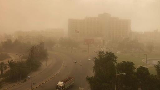 動画:イエメンで巨大砂嵐、第2の都市を砂ぼこりが覆う