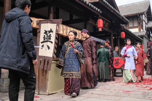 中国最大級の映画村、夢を追いかけるエキストラたち