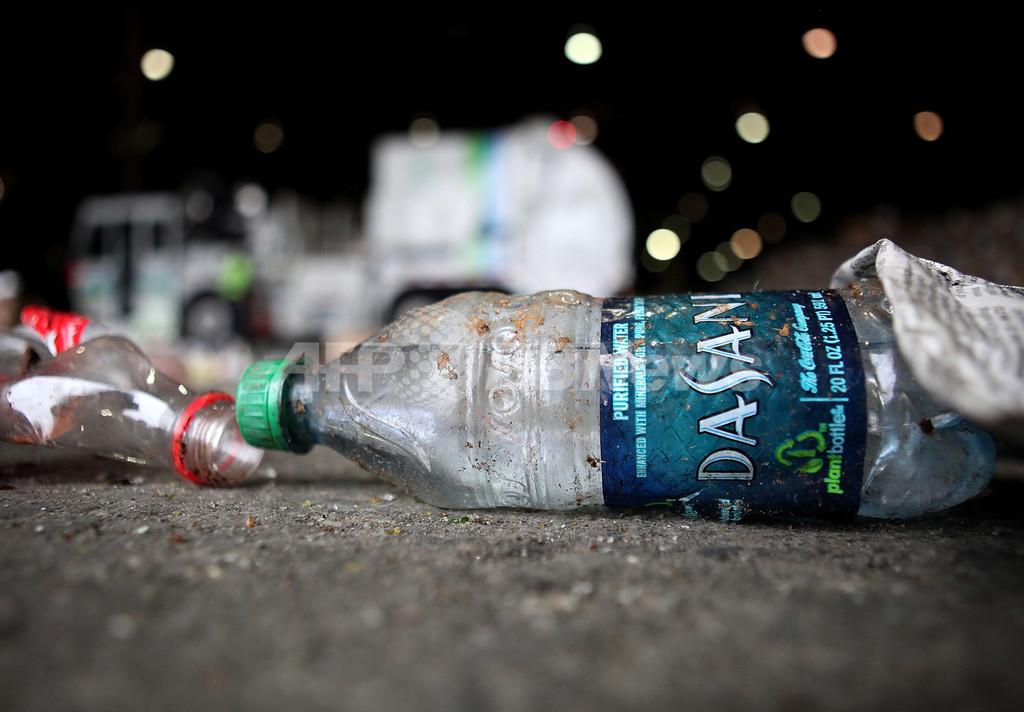 使い捨てボトル入り飲料水の販売を禁止、米マサチューセッツ州の町