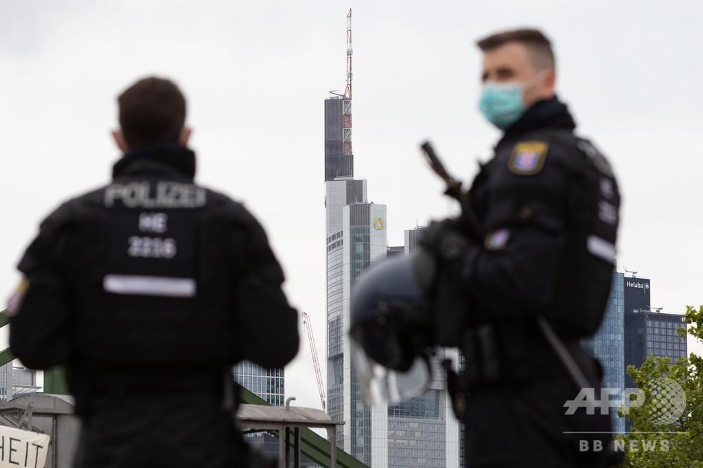 ドイツの屋外「コロナパーティー」で乱闘騒ぎ、39人拘束