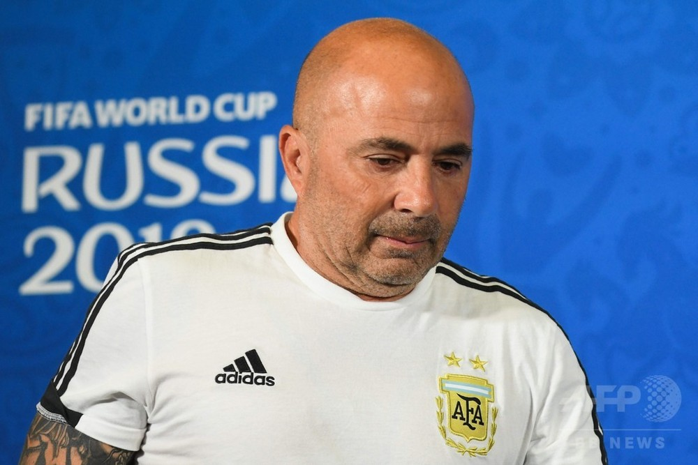 アルゼンチンがサンパオリ監督と契約解除、W杯は16強で仏に敗戦