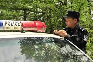 脱走した受刑者2人を確保、村民総出で深夜の捜索に協力 中国・河北