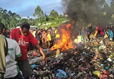 20歳女性「火あぶり処刑」で男女2人を逮捕、パプアニューギニア