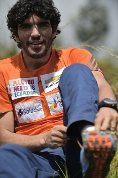 両足義足のエクアドル人登山家、世界最難関の高峰K2に挑戦