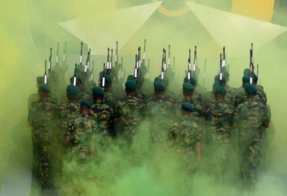 【今日の1枚】緑色の集団の一員に スリランカ