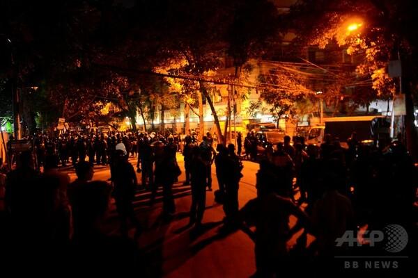 バングラの立てこもり、犠牲者20人 全員が外国人 軍幹部