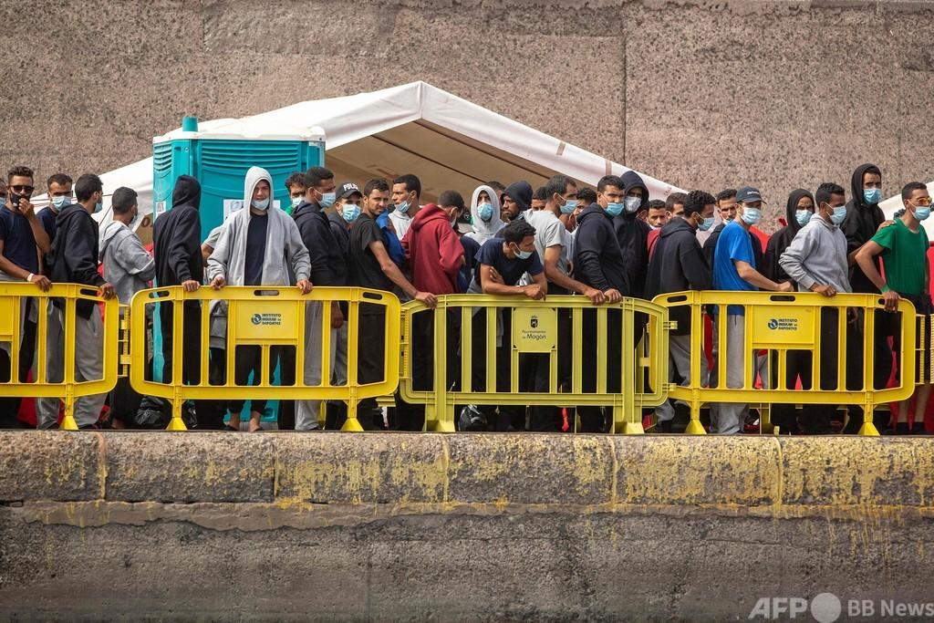 移民漂着、2日間で1600人超 スペイン・カナリア諸島