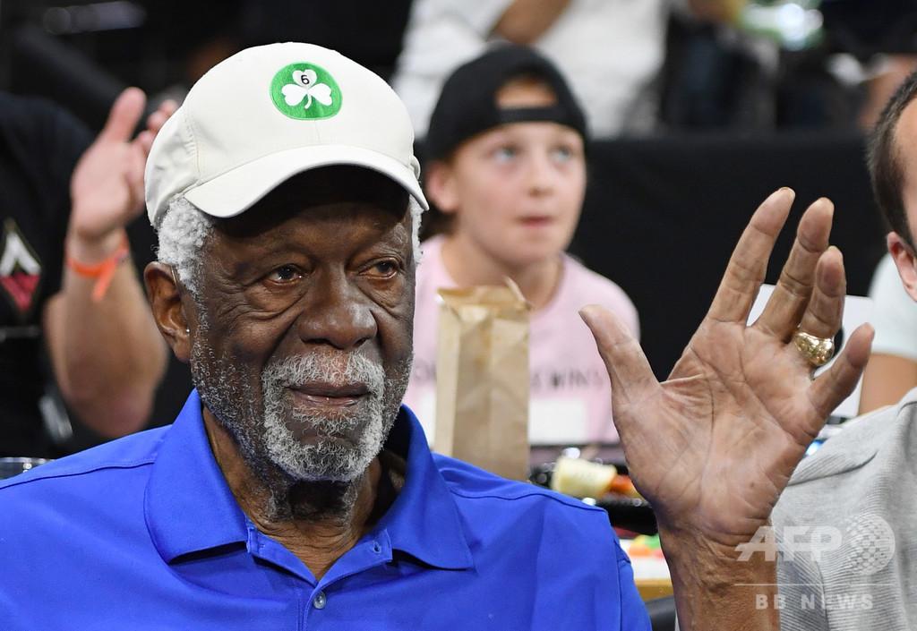 NBAの伝説ラッセル氏、44年を経て殿堂入りの指輪を受け取る