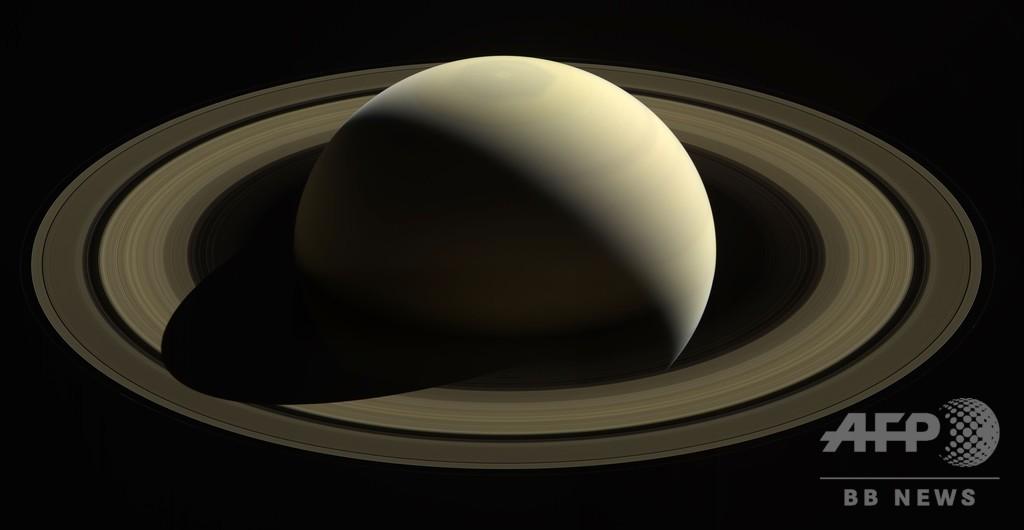 土星の輪、1000万から1億年前に形成 研究