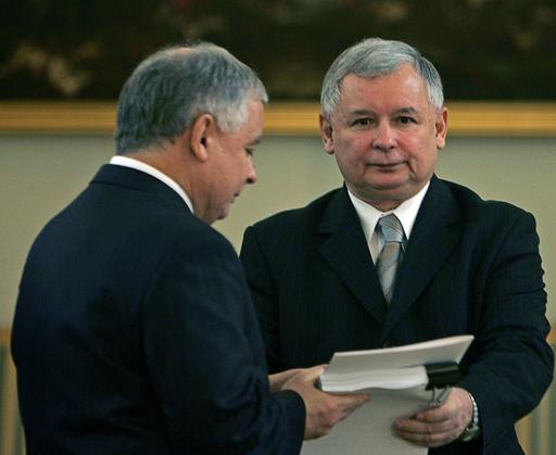 故カチンスキ大統領の双子の兄、大統領選に出馬 ポーランド