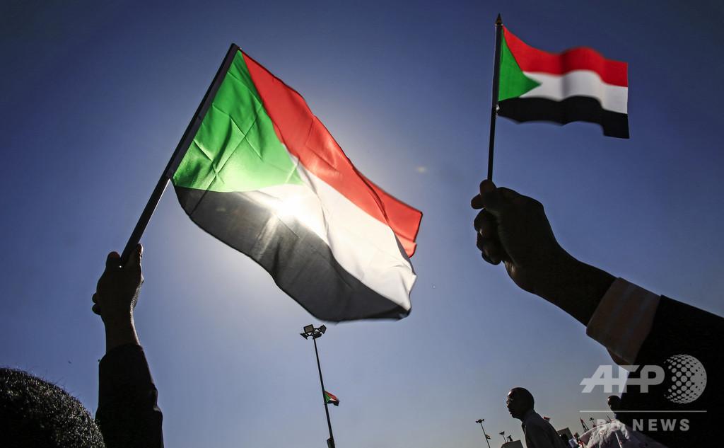 スーダン暫定軍事評議会、解任した前大統領を刑務所へ移送