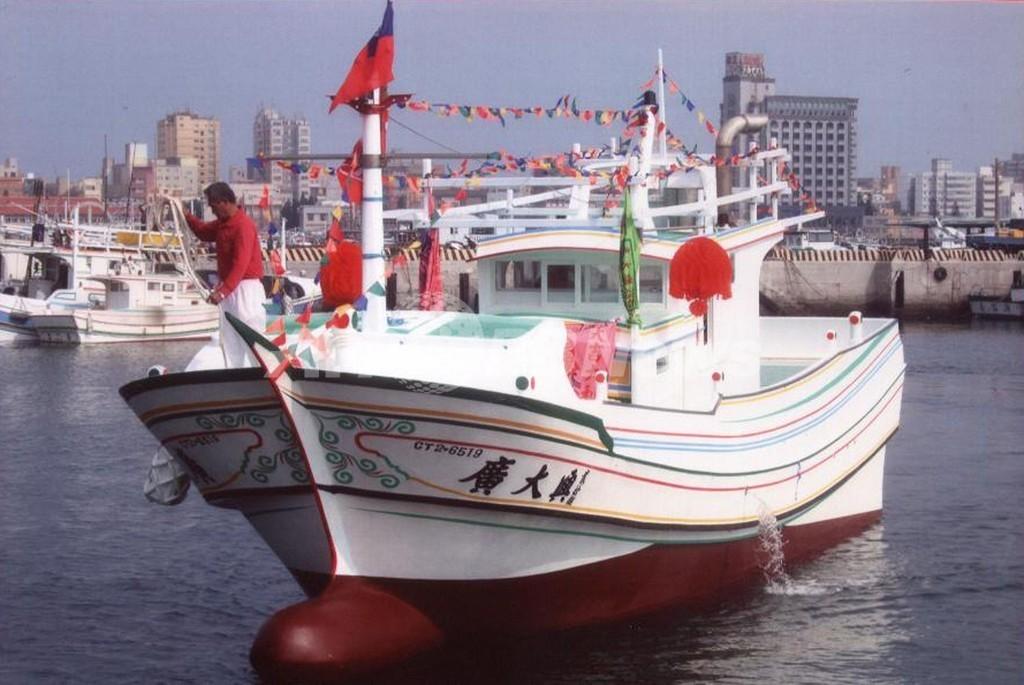 フィリピン当局、台湾漁船銃撃を認める
