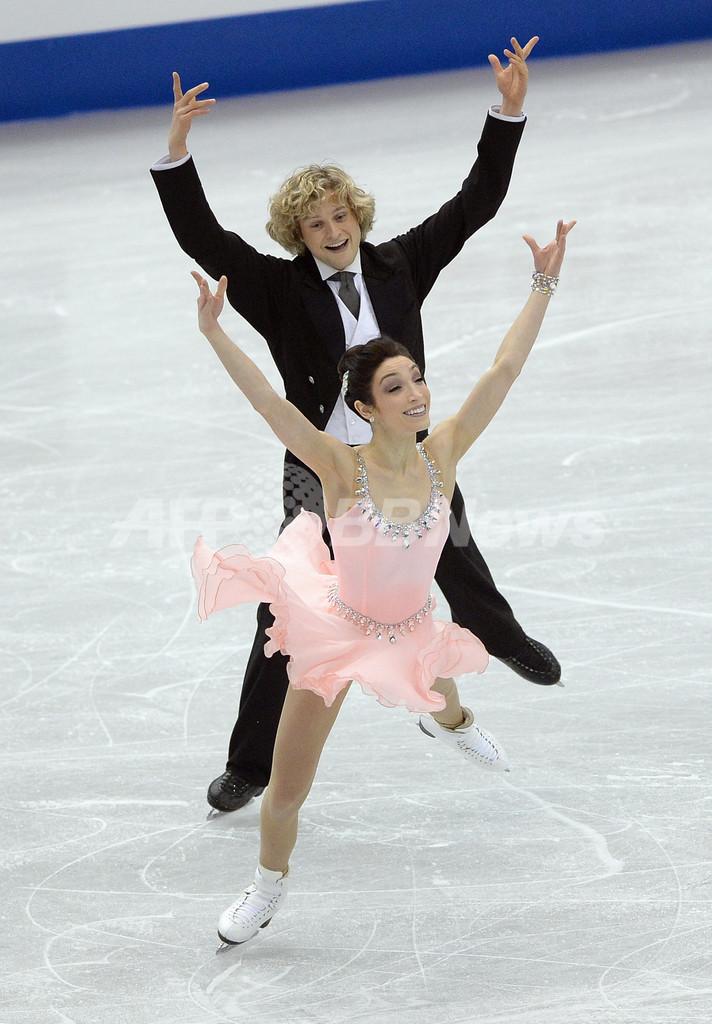 アイスダンスではデイビス/ホワイト組が首位に、GPファイナル