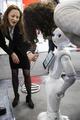 人工知能やロボットが奪う「人の仕事」、専門家らの意見