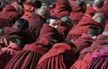 人民解放軍、チベットの僧院を包囲