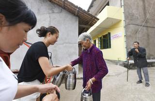若い世代は出稼ぎ、深刻化する地方の高齢者の介護問題 中国