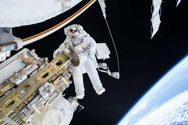 NASAの宇宙飛行士公募に応募殺到、過去最高の1万8300人に