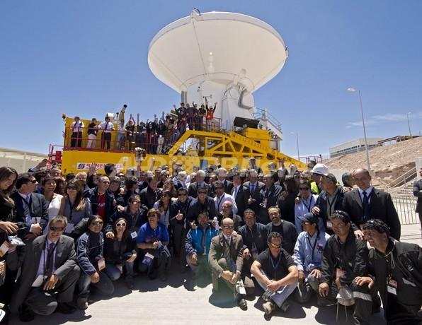 世界最大、チリ・アルマ望遠鏡が本格始動 直径16キロ
