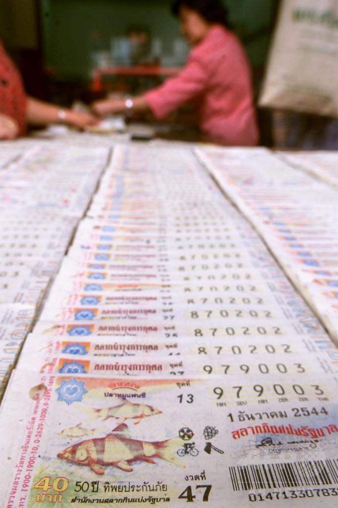 1億円の宝くじ、真の所有者は誰? タイでDNA鑑定へ