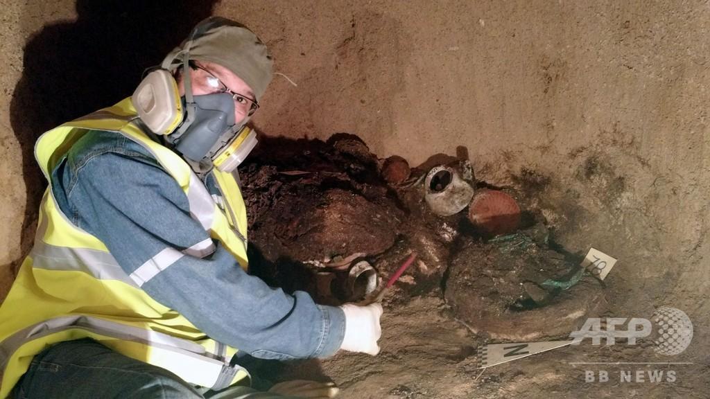 1100年前の地下共同墓地、探鉱作業中に発見 ボリビア