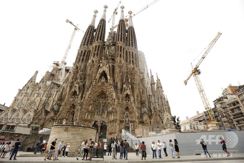 137年前に工事始まったサグラダ・ファミリアにようやく建築許可
